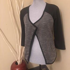 Dana Buchman blazer size 4 gray and black